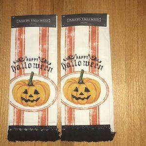NWT Maker's Halloween Set of 2 Hand Towels